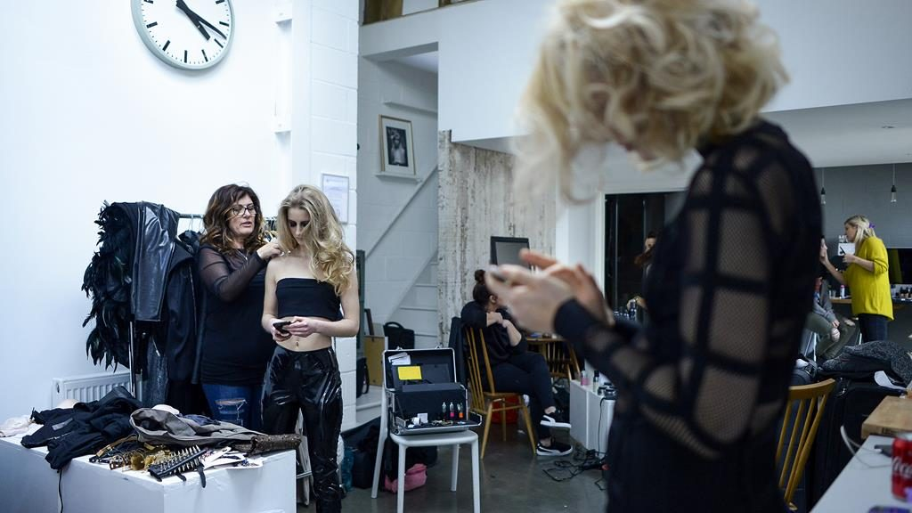 Flora and Chloe checking in with Ben Forrest on Facebook at the Ben Forrest Your Hairdresser Salon